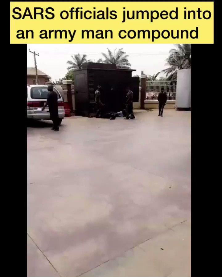 SARS officials jumped into an army's man compound, and you know what that means 😳😳🤷♂️  Do follow @viewschannel . . . . . . . . . . . . . . #bbnaija #lagos #davido #nigeria #ja #instablog #tacha #abuja #wizkid #naija #bbn #bellanaija #lekki #fashion #bg #brodashaggi #nairamarley