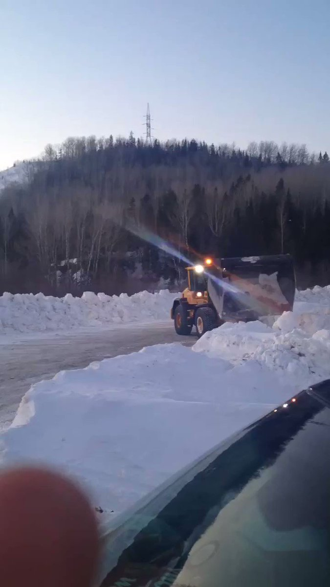 """In Listuguj railroad blockade in solidarity w Wet'suwet'en, Darren Methot said,""""We are making are protest site bigger.. We are not standing down until the Hereditary Chiefs of Wetsuweten tell us to stand down.."""" video: Methot @APTNNews"""