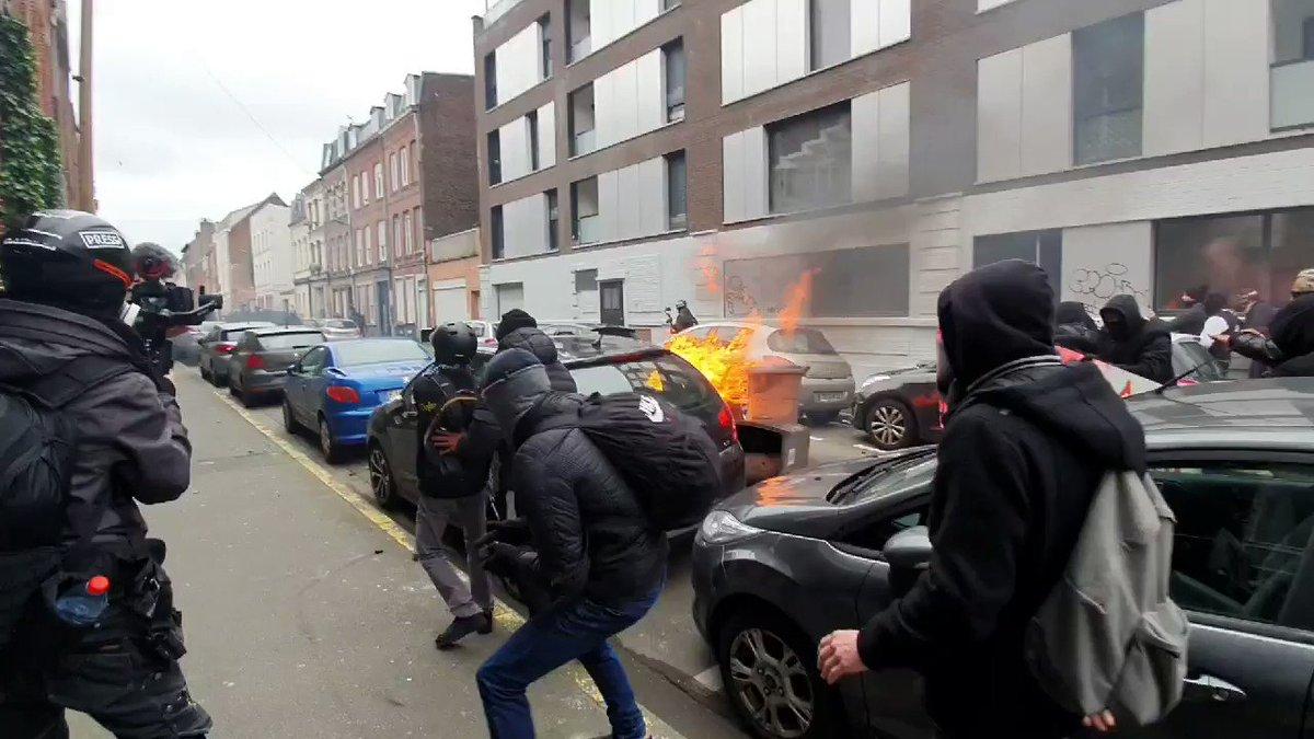 RT @ChalecosAmarill: 📽🆘️🆘️🆘️ #Francia #Acte67 #GiletsJaunes #Lille EN PIE DE GUERRA!!!!  ✊🏾✊🏾✊🏾✊🏾 https://t.co/PjUy5h0gpd