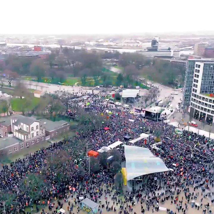 Gestern haben wir ein starkes Zeichen auf der Straße gesetzt – und morgen an der Wahlurne! 💚🗳 #HamburgWähltKlima