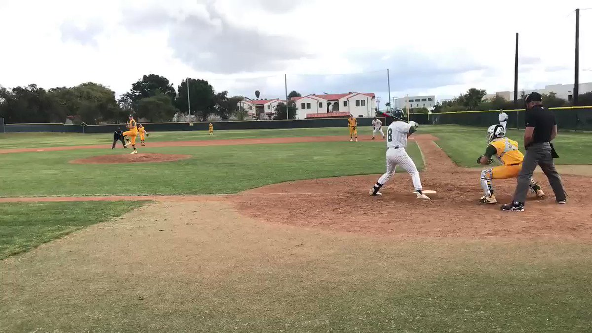 "🎥 ""The Nieto Special Part✌🏼""  Andre Lopez returns as the hero in this walkoff thriller with the supporting cast of pitchers Adam Dow, Joel Porter, and Alec Beck who picked up the win!  S. Montoya 2-4 R A. Dow 4IP 3K J. Porter 1.1IP 2K A. Beck 2.2IP 4K & 2B  #StayInTheFight"
