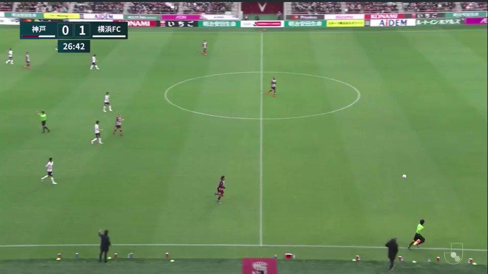神戸vs横浜FC応援&鳴り物禁止令の結果手拍子を中心とした応援スタイルに。痺れを切らしたサポが自然発生的に徐々にチャントも歌い出し、いつも欧州リーグの実況を担当している桑原さんも「プレミアリーグのよう」と