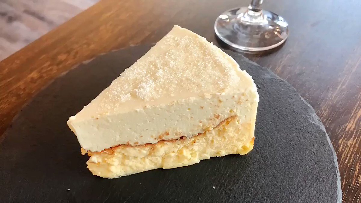 【UMIラボ】@千葉駅から徒歩6分香ばしく炙った「炙りバスクチーズケーキ」を食べられるお店。レアチーズ&バスクチーズを2層にしたチーズケーキで、バーナーで炙ると一気に溶け出していく姿がたまらない!溢れるレアチーズの滝がバスクチーズと重なって奇跡のコラボが誕生します✨#PR