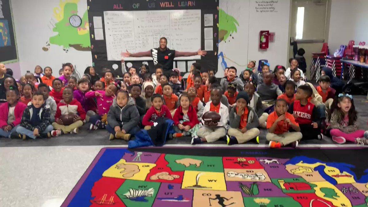 KIPP Peace Elemantary school showing love ✊🏾