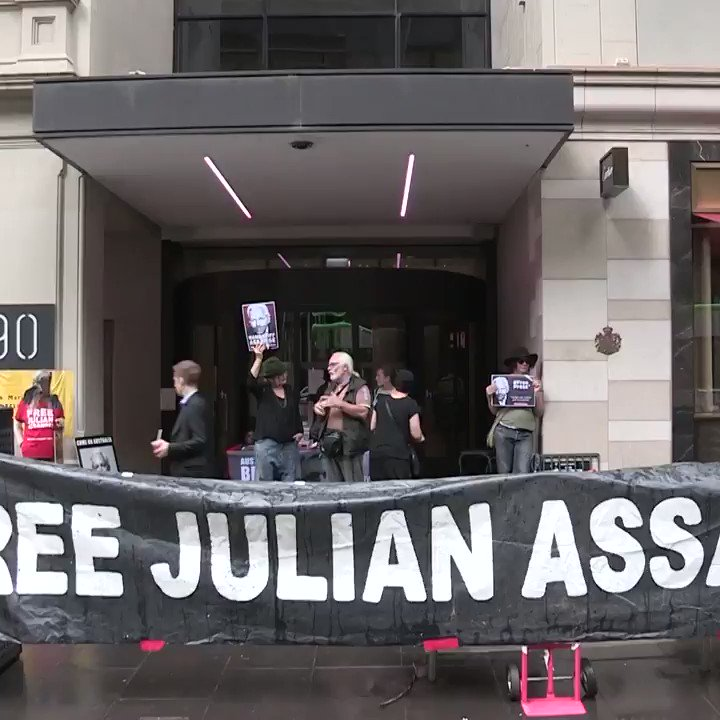 #Assange supporters call for him to be brought home #Australia #Melbourne