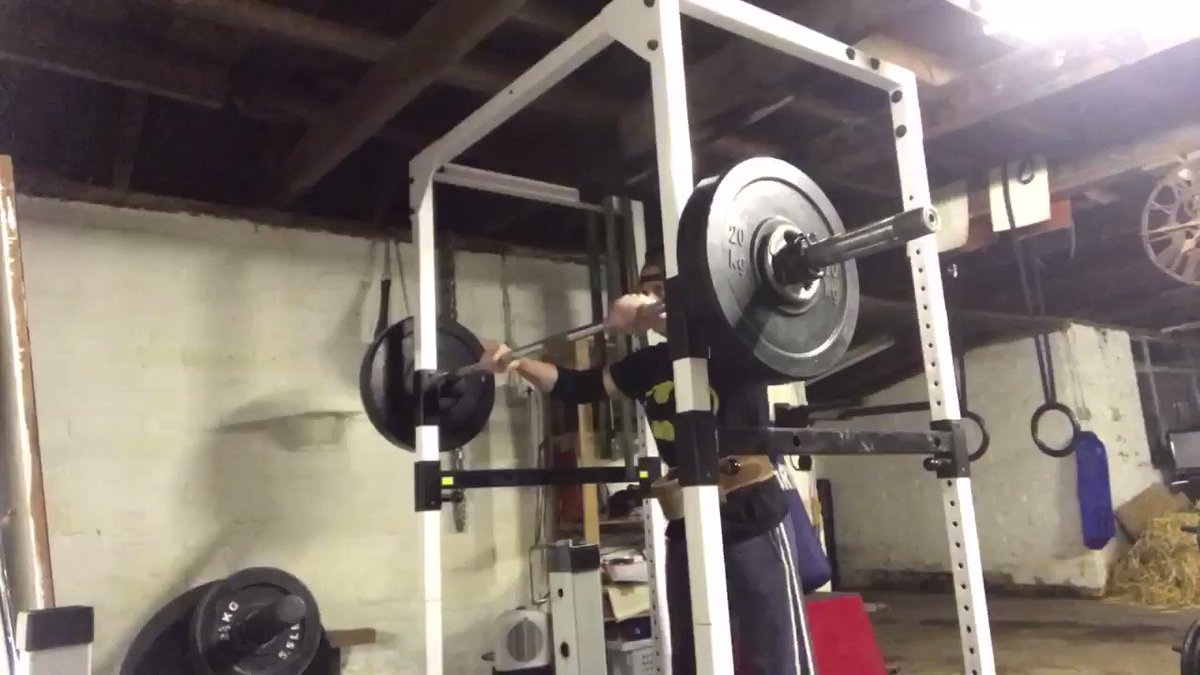 Up just one rep per set bringing me to 3 sets of 5 reps with 62.5kg/137.5lbs tonight. #ohp  #strictpress  #overheadpress  #delts  #shoulders  #powerlifting  #physique  #barngym  #fitover47