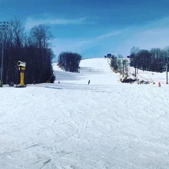 So much fun snowboarding today! Gotta love Canadian weather 🌟❤️ #snowboarding #canada #winter #ontario