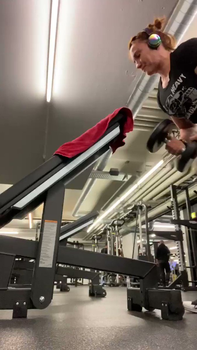 Inclined biceps- fixed elbow=more biceps isolation #strengthtraining  #powerlifting  #biceps