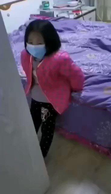 Hong Hong - 就是這個小女孩,她說想媽媽😭