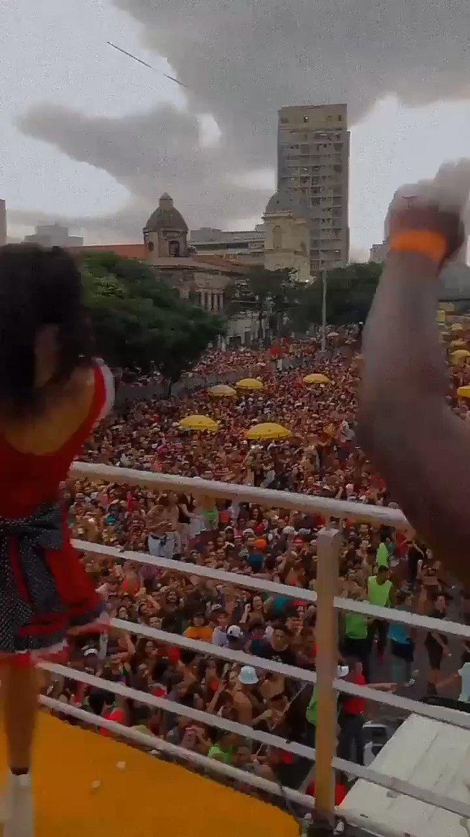 "🚨 O videoclipe de ""Disk Me"", de Pabllo Vittar, superou a marca de 84 milhões de acessos no YouTube.  https://t.co/BQwxMFKUPQ"