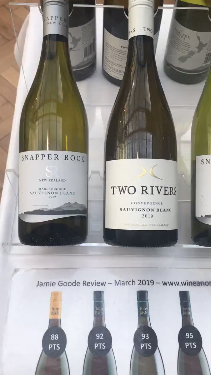 Yummy kiwi and Aussie lusciousness to taste @sittastings #london #sitt on table 24 today with @AntipodeanSomm . Check out the new #fiana #cloudybutfinechardy #lvfizz and lots of news vintages of @TwoRiversWineNZ @SnapperRockWine