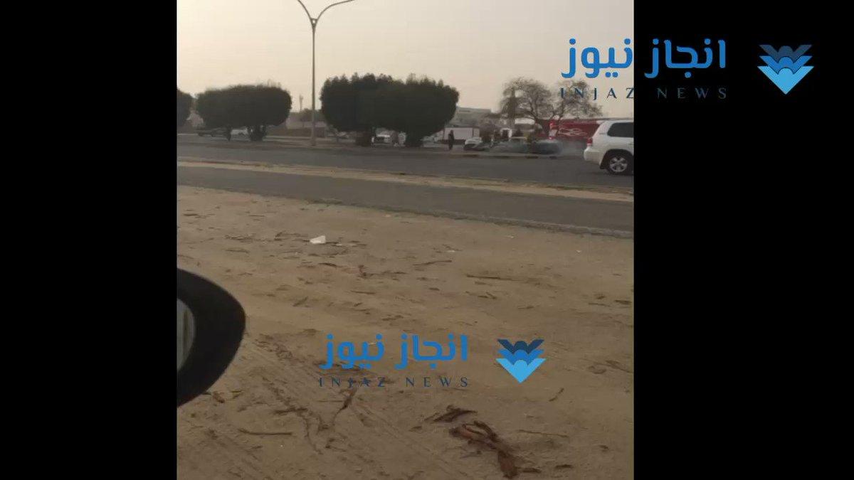 حريق سيارة على الطريق الرابط بين منطقتي جابر العلي و #الظهر #العيد_الوطني_الكويت#الكويت