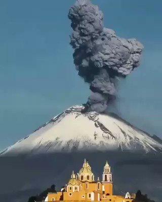Image for the Tweet beginning: 🌞 ¡Buenos días! 🌋 El Volcán