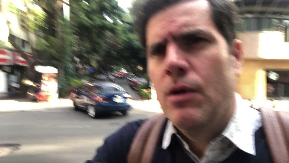 Gente por acá les dejo un mensaje. Hoy miércoles 26 de febrero me robaron mi bicicleta a las 4 de la tarde en avenida Amberes y paseo de Reforma #CDMX junto a 10 metros donde se encontraba un policía de la @SSP_CDMX y a 20 metros de la cámara de seguridad ID10205 ¿casualidad?
