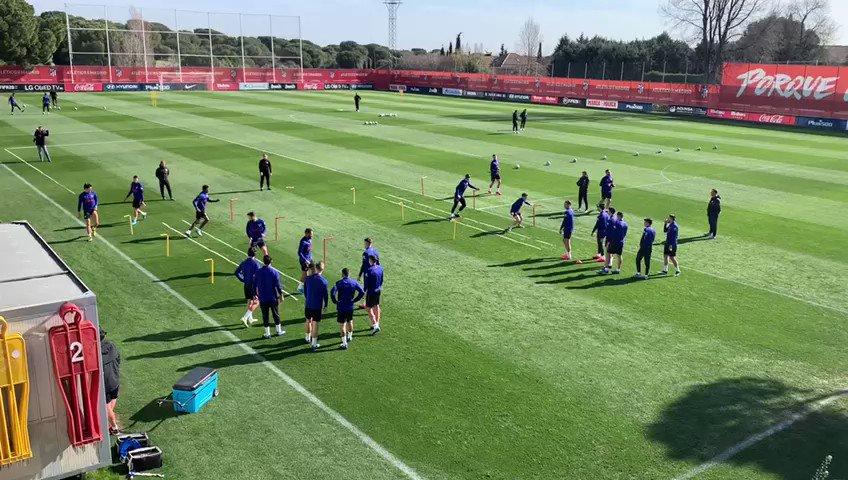 Image for the Tweet beginning: 📍 Entrenamiento del Atlético en