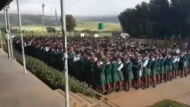 Can we reintroduce this Prayer Sessions in our schools... #SGBs @TakaTina1 @KaizerChiefs @LifeWithThami @AdvoBarryRoux @IIKHUNE_32_16 @FloydShivambu @khayamthethwa @Julius_S_Malema @MzwaneleManyi @Boity #maphorisa #princekaybee #SowetoDerby #sowetoshutdown #Amakhosi4Life