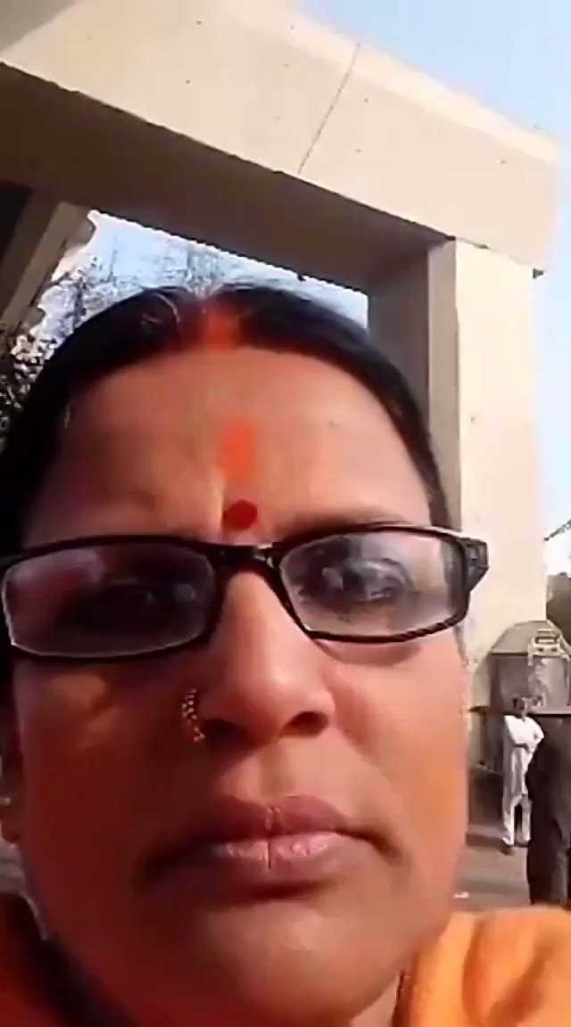 This lady ( Ragni Tiwari) doing Facebook live from past 3-4 days with similar provocative slogans . Hello @DelhiPolice, Her provocative videos are now viral on Facebook and whatsapp.