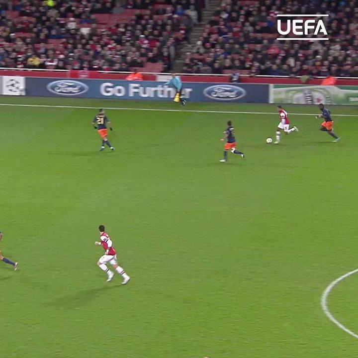 Lukas Podolski + volley = 🚀⚽️#UCL | #FlashbackFriday | @Podolski10