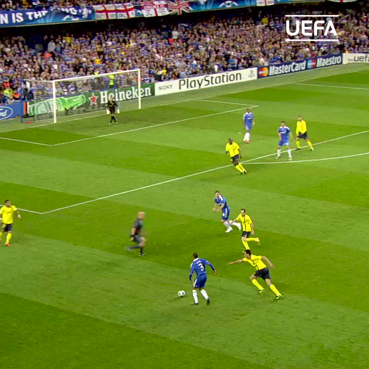 😎 Next up...🔵 Michael Essien's first-time volley!#UCL | #FlashbackFriday | @ChelseaFC