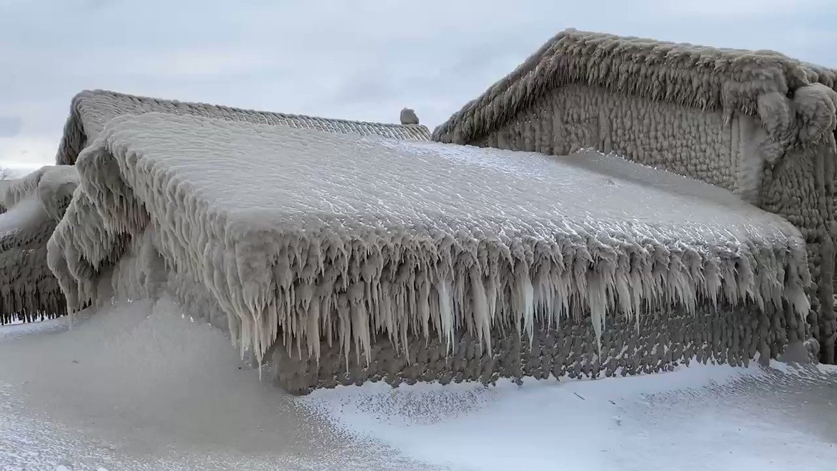 19 Days Until Spring:  Until then—-well, you know.  This along Lake Erie near Buffalo (Hamburg) may take until May to melt. @news4buffalo @News_8 @spann @JimCantore @StephanieAbrams @wxbywilliams @StormHour @TomNiziol @GarofaloWX @Ginger_Zee #DigitalFirst #NexstarNation