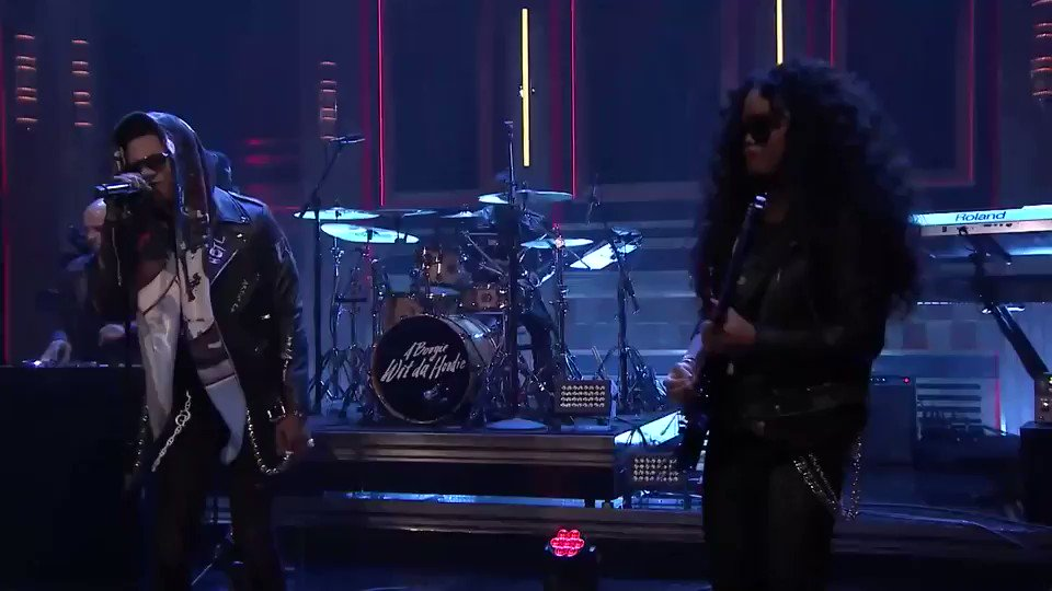 Thanks to @jimmyfallon for letting me and @HERMusicx rock the stage 🎸🤟🏾🖤