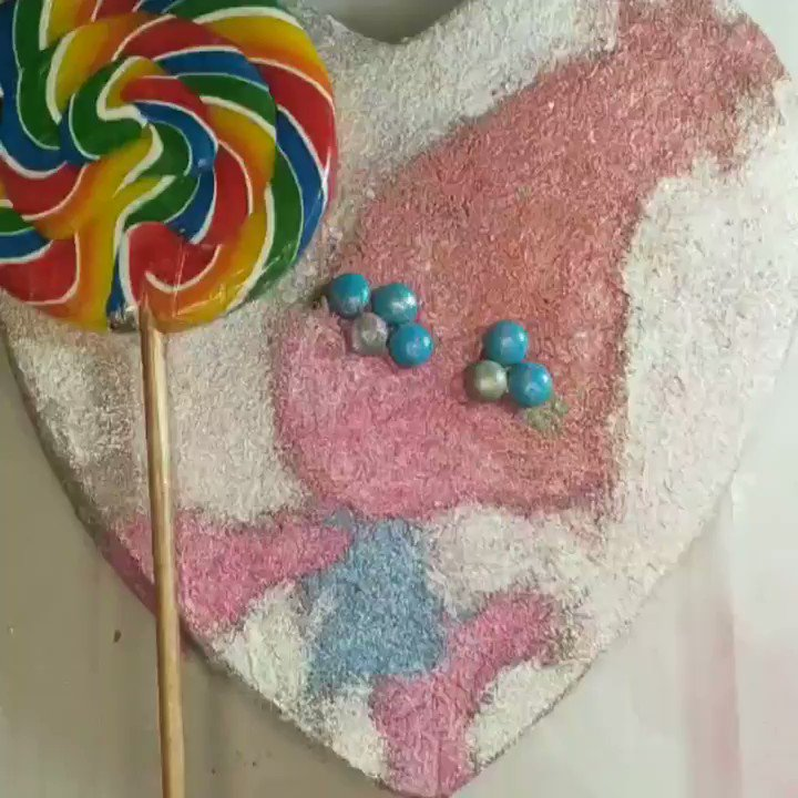 TROLL'S WORLD TOUR - POPPY LOLLICAKE #troll #trolls2  #TROLLSWORLDTOUR #lollipop #cake #sweet  #poppy #rainbow #gliter #baking #colors #heart #birthday  Song: MBB - Ibiza (Vlog No Copyright Music) Music provided by Vlog No Copyright Music. Video Link: https://youtu.be/DLkX0UJ90Wopic.twitter.com/XOPUor2Y5W