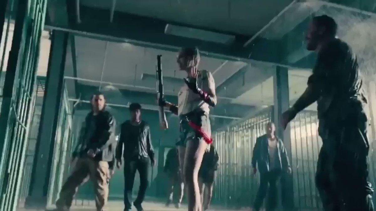 A Margot Robbie estava impecável nessa cena de luta em Aves de Rapina. Com certeza é uma das melhores do filme!