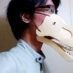 「ティラノサウルスになれるマスク」が簡単に作れるし、材料も100均!退屈している時間に作ってみよう。