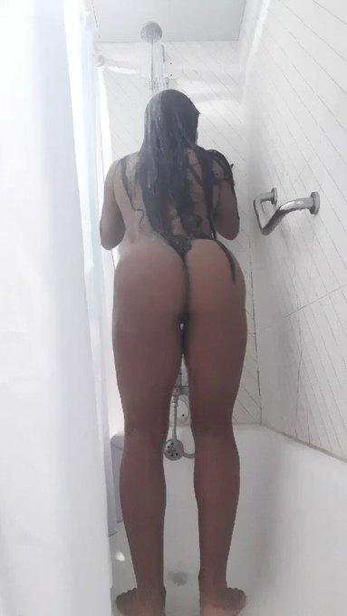 Vamos de banho sensual🙈🔞🇵🇹📍LISBOA(Entre Campos). https://t.co/6ojstJLVPp