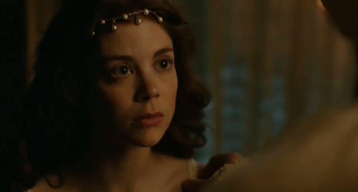 Charlotte Hope – The Spanish Princess S01E02 (2019)  – Celeb Nudity