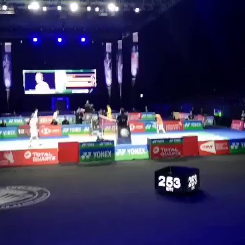 Viktor Axelsen vs Shi Yu Qi. QF. Last point. #AllEngland2020 #badminton #AllEngland #badmintonlovers #badmintonindonesia #badmintonplayer #badmintonjapan #badmintonchina #badmintonlover #badmintonworld #badmintonlife #badmintonday #badmintonindia #badmintondenmarkpic.twitter.com/IUDVdzyMvx