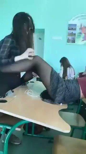 """Merve Yazıcı on Twitter: """"Liseli kızlar azgınlıktan sınıfta ..."""
