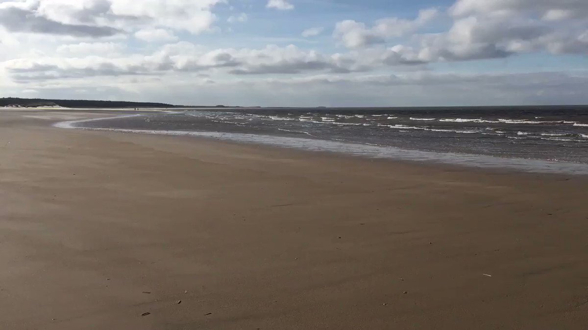 Well twitter's a right laugh right now. Here's a video of the sea.