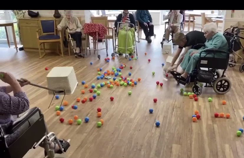 Omg Bryn Celyn Care Home in south Wales does self isolation human hungry hippos 🥰 🏴󠁧󠁢󠁷󠁬󠁳󠁿