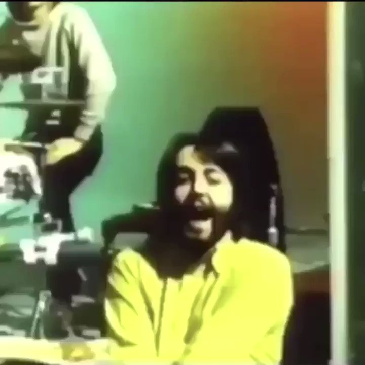 George's reaction to Paul's screaming and later getting scared by the mic is the best💀💀