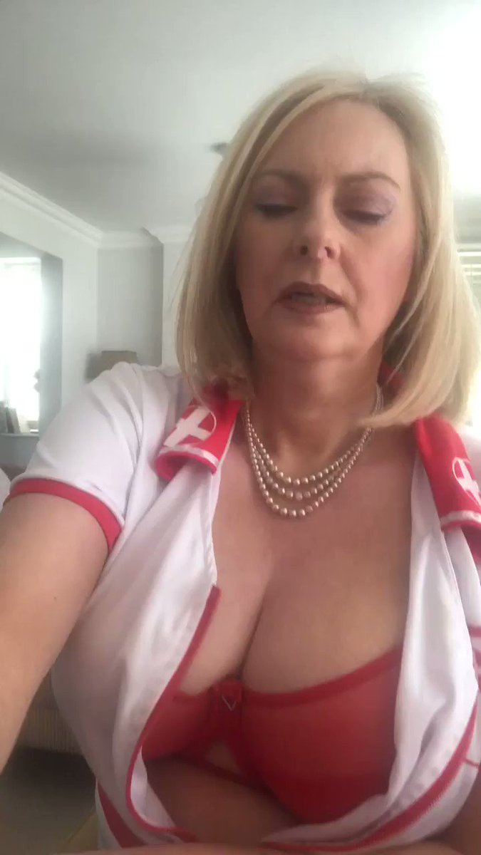 CourtesanAnnabel 🔞 - guys guys guys ... please do NOT phone to arrange a meet ... the most important 6 inches right now are between your ears not your dick .... how about a camshow/phonechat/custom video/sexy texts .... silent calls are an option ...