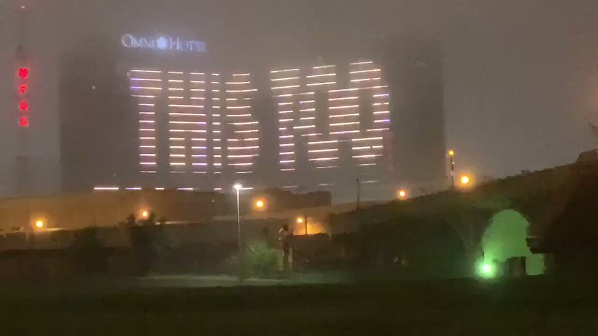 """This is the message on the Omni tonight in Dallas """"This too shall pas"""" #coronavirus @FOX4"""