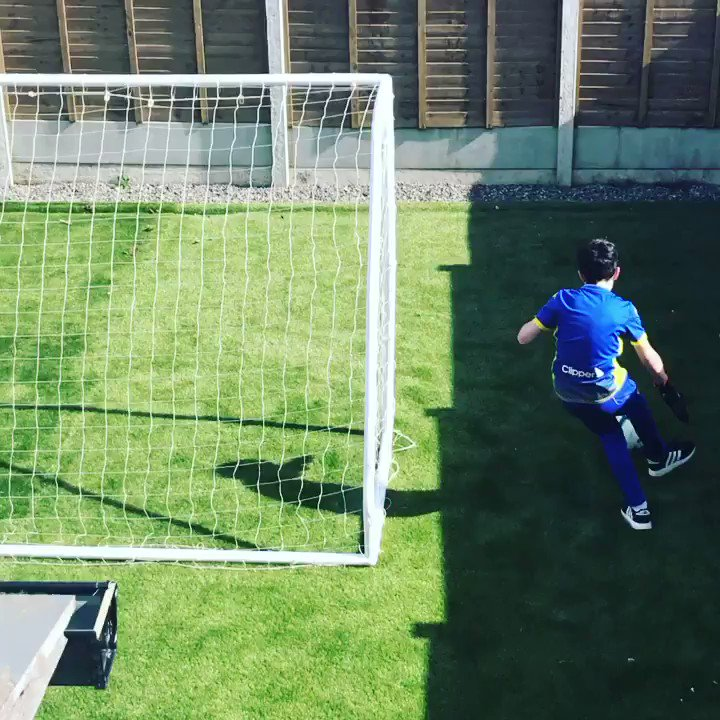 RT @TheSJTobin: When you're a goalkeeper... and an only child... in self isolation... and trying to keep up with your training... 😂😂came up with this himself! I'm so impressed. #coronavirus #StayHomeStaySafe
