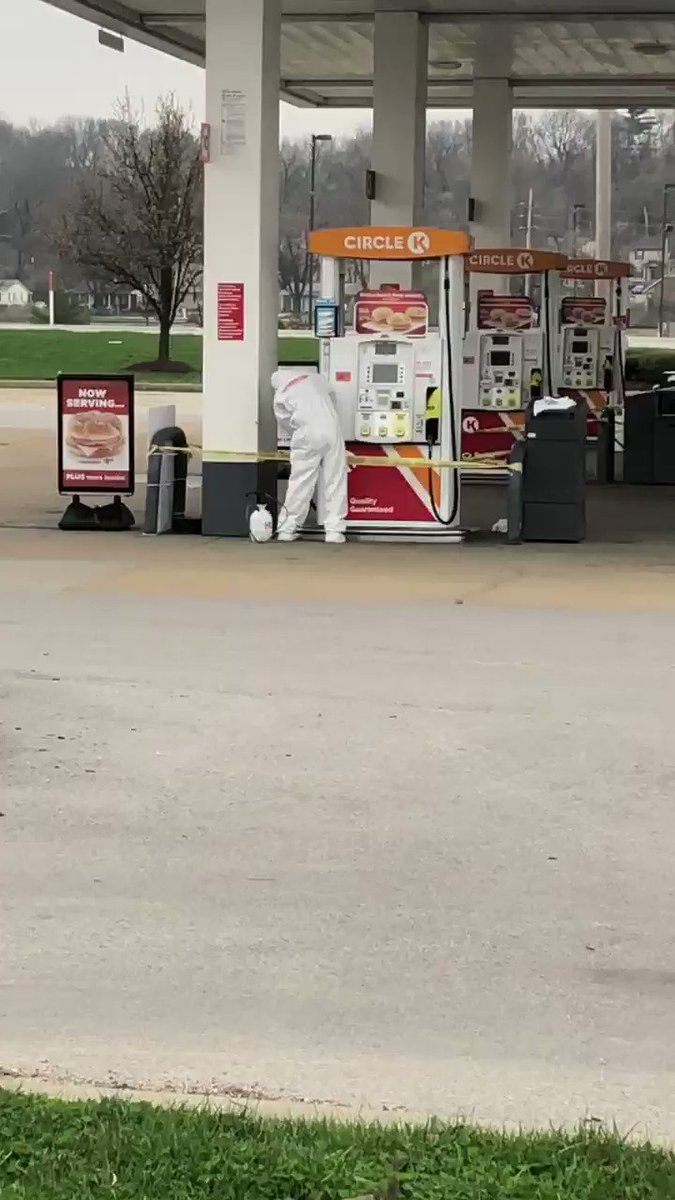 Crews scrubbing down the @CircleKStores in St Chuck. Worker tested positive for #COVID19