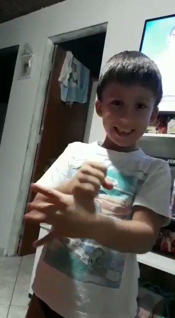 Em tempo de Coronavirus aprenda a lavar a mão com o blogueiro Pietro (sobrinho) #prevencao #coronavirus #bdsp #sp1 #sp2 #amor #sobrinho
