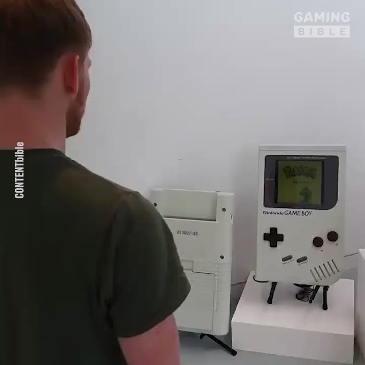 This guy made a massive working Game Boy because why not 😆