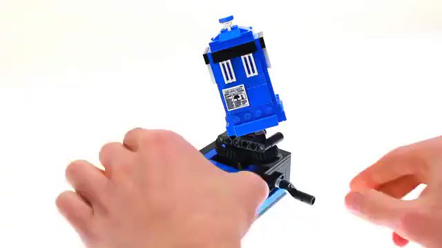A mini kinetic sculpture of the TARDIS: a set composed of 213 LEGO pieces buff.ly/2RNd9Na