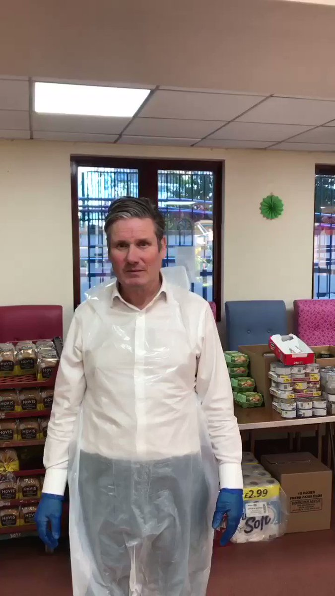 Huge thank you to our local MP @Keir_Starmer for joining us @AgeUKCamden today to help us get emergency food parcels ready to make sure no one goes hungry in our community. At times like this we all need to pull together and we appreciate your support #wemakecamden