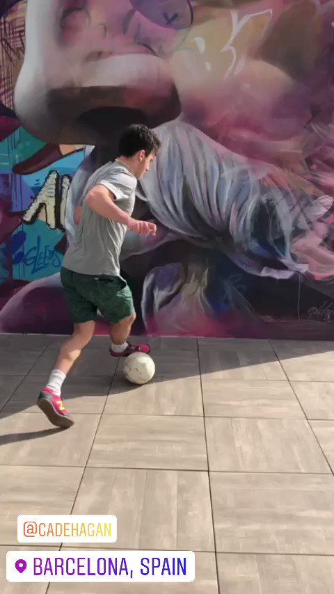 Cade doing what he does #Barcelona @HaganCadepic.twitter.com/SXV2xVjVCB