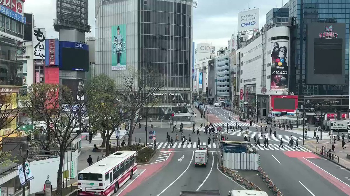 Quiet Friday morning at #Shibuya Seems people understood what the government said last night and stay home. Have a good weekend at home #stayhomejapan #COVID19pic.twitter.com/kHApMAc4Mm
