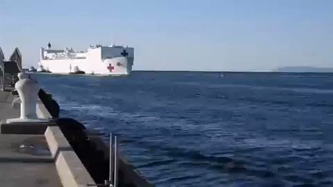 hospital ship docked this morning in #Los_Angeles. Grateful to the @USNavy for helping increase our hospital capacity during the #COVID19 #Coronavirus outbreak.pic.twitter.com/EWJ0tk1aps