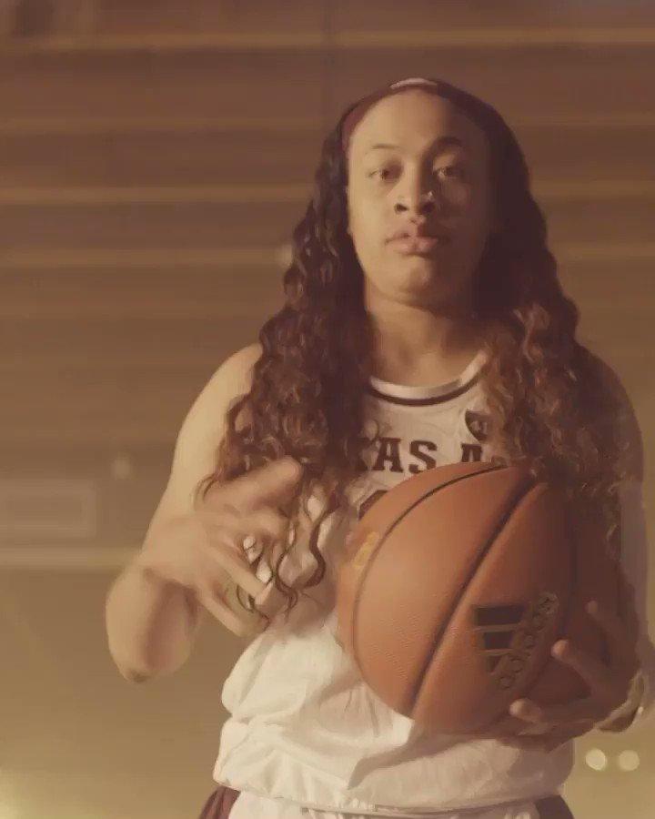 Chennedy Carter has officially declared for the WNBA Draft ‼️ @ChennedyCarter (via @AggieWBB)
