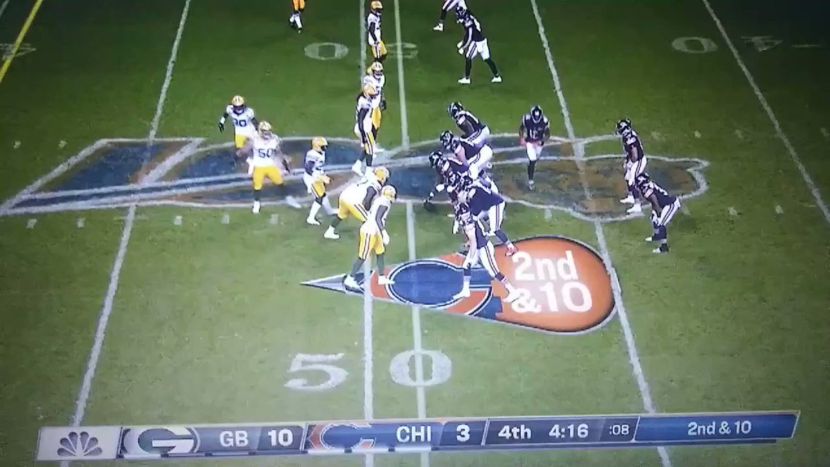 Beautiful throw and ball placement here by Trubisky, Taylor Gabriel unable to get 2nd foot down