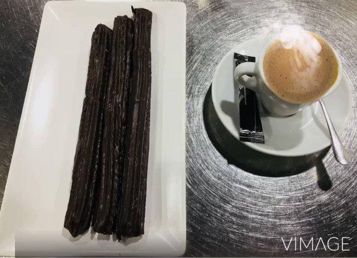 😢 Quien se apunta a un buen #cafespresso y a unos deliciosos #churrosdechocolate ??? Yo me apunto!!!☝🏻#churreriachocolateriasatur #sanjosebarriocomercial #zaragoza #aragón #españa🇪🇸 #cafe #chocolate #churros #porras