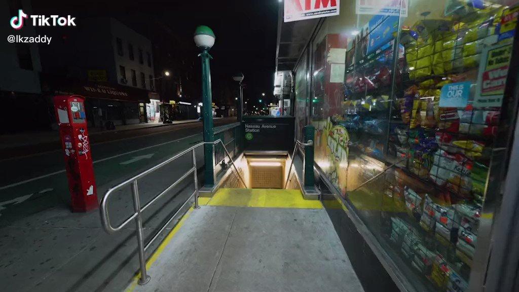 #NightLife   Pandemic   New York City, March 2020. pic.twitter.com/tqlF47MuFc